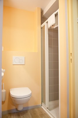 chambre simple douche